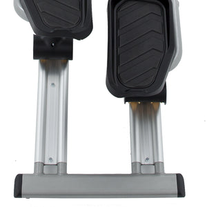Spirit Fitness XE795 Elliptical Trainer pedals