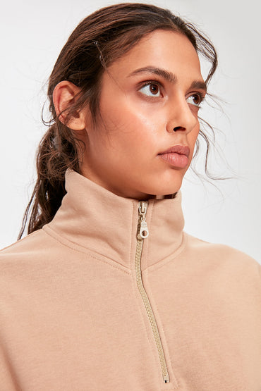 Camel Shir Detailed Crop Knitted Hoodies