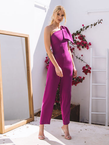 One-shoulder asymmetric bow decoration simple and simple jumpsuit