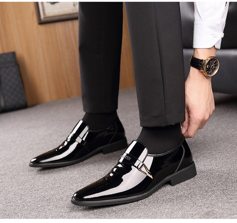 Italian Leather Shoes Slip On Fashion Men Leather Moccasin Glitter Formal Male Shoes Pointed Toe Shoes