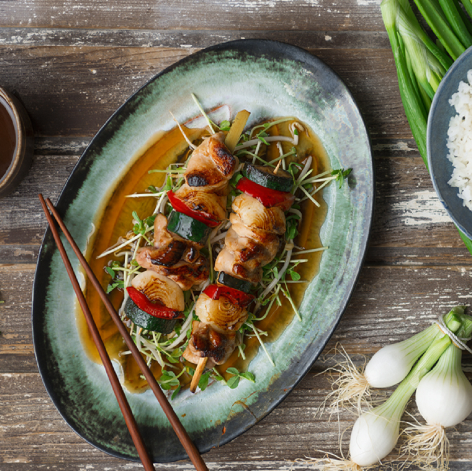 Chicken Yakitori Skewers With Zucchini, Capsicum, Sprouts, Steamed Rice & Toasted Sesame