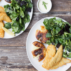 Panko Crumbed Fish & Garlic Herb Potatoes With Spinach Salad & Tarragon Caper Dipper