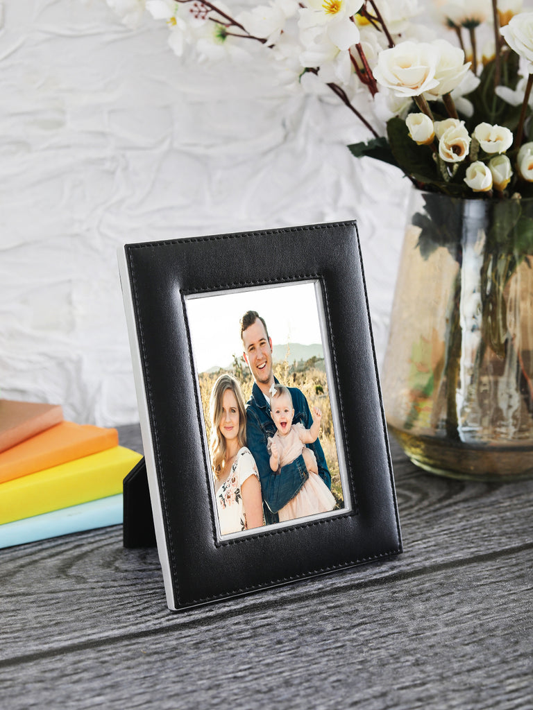 "Noire Black & Silver Leatherite 4""x6"" Photo Frame"