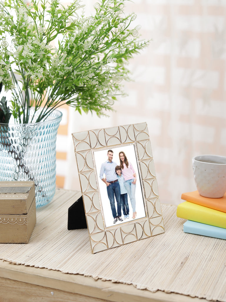 "Neo White & Gold Photo Frame 4""x6"""