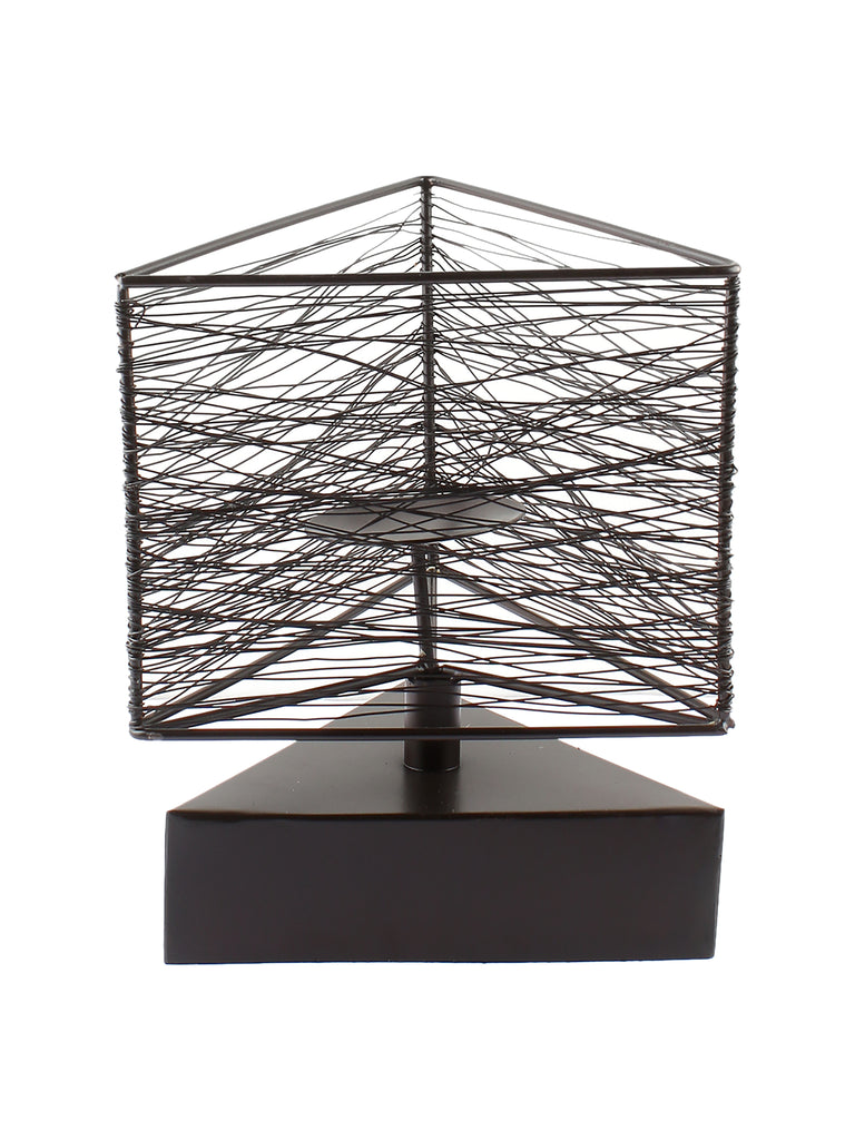 Geo Triangle wire candlestand