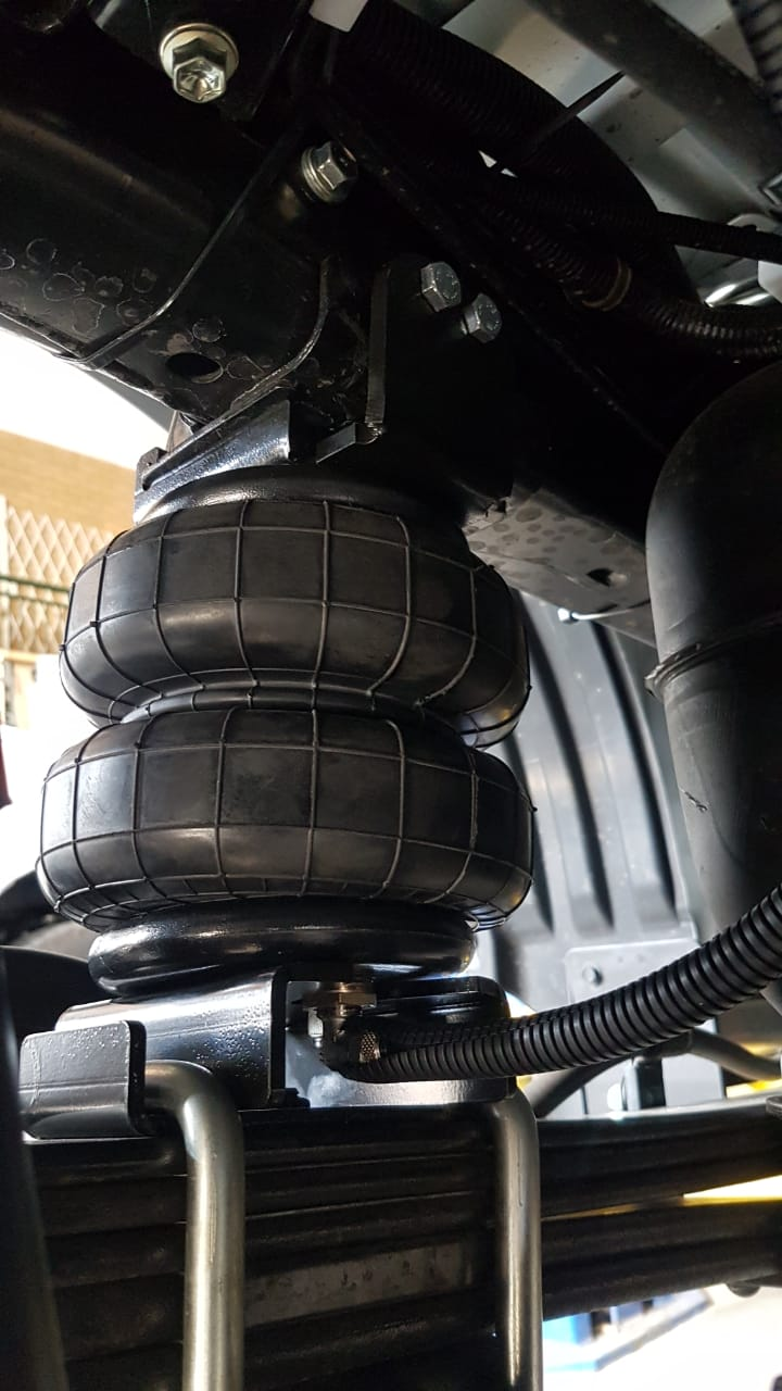 Rear Air Helpers raised Suspension (Hilux Revo 2016-Current)