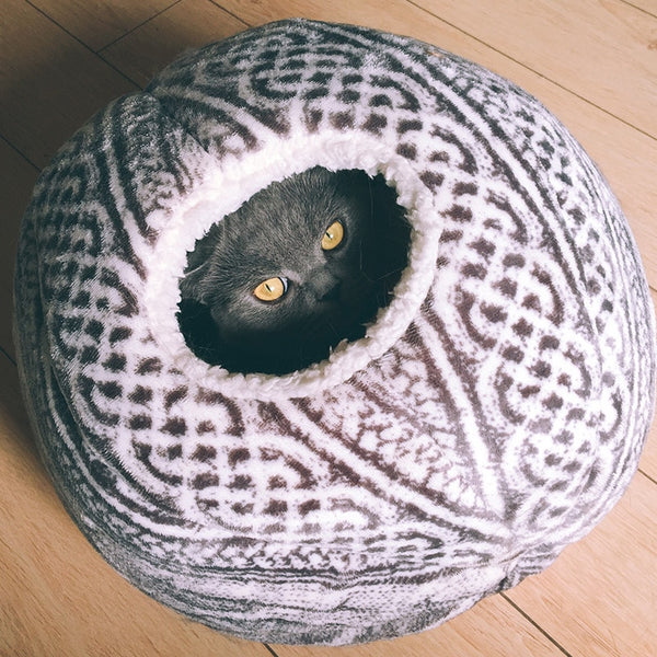 Cat Beds Spherical Cat House with Round Opening