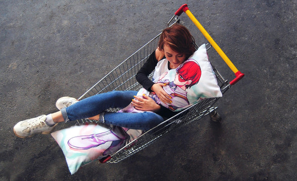 Dakimakura and its community in a shopping cart | Ahegao.fr
