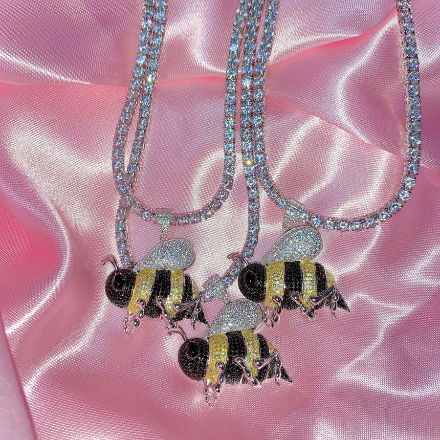 ICY BUMBLEBEE NECKLACE