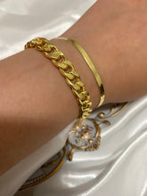 Load image into Gallery viewer, CLASSIC CUBAN LINK BRACELET