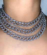 Load image into Gallery viewer, BAGUETTE CUBAN LINK NECKLACE