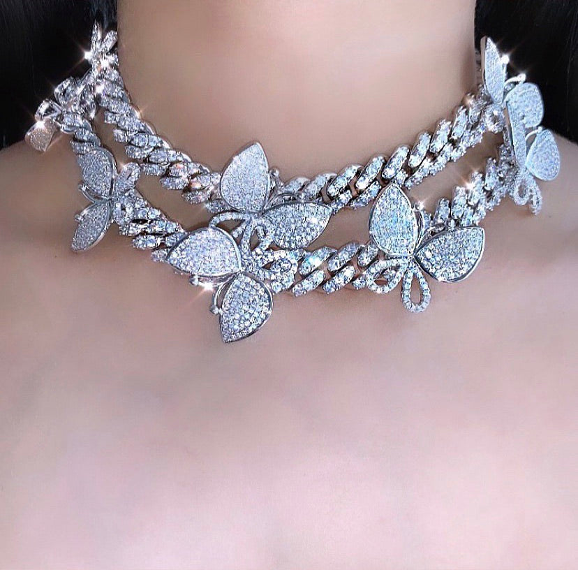 BUTTERFLY GALORE SILVER/SILVER NECKLACE