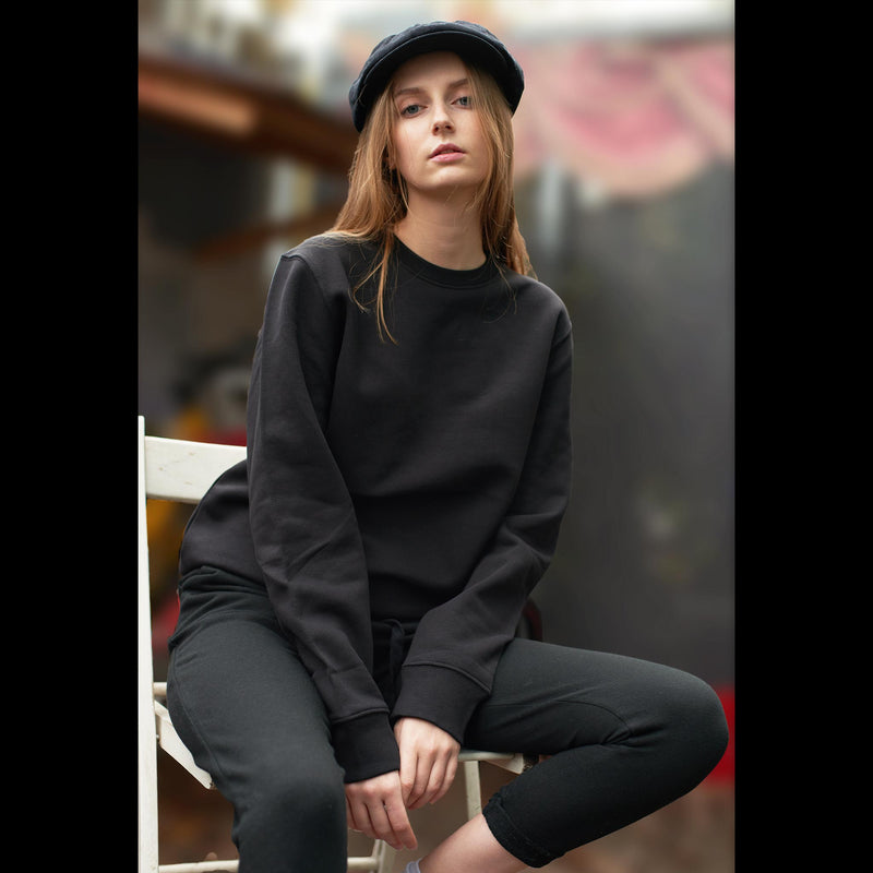 womens-black-sweatshirt