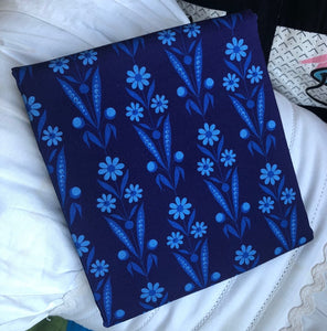 Somerset Collection Daisy Bouquet Navy ~ Fabric By The Yard