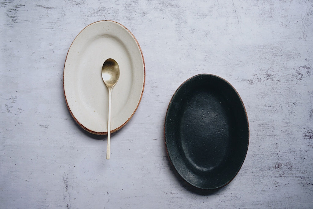 Satomi Ito - Oval Plate M