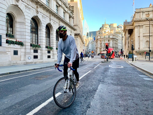 Cyclist in london with Airhead pollution mask