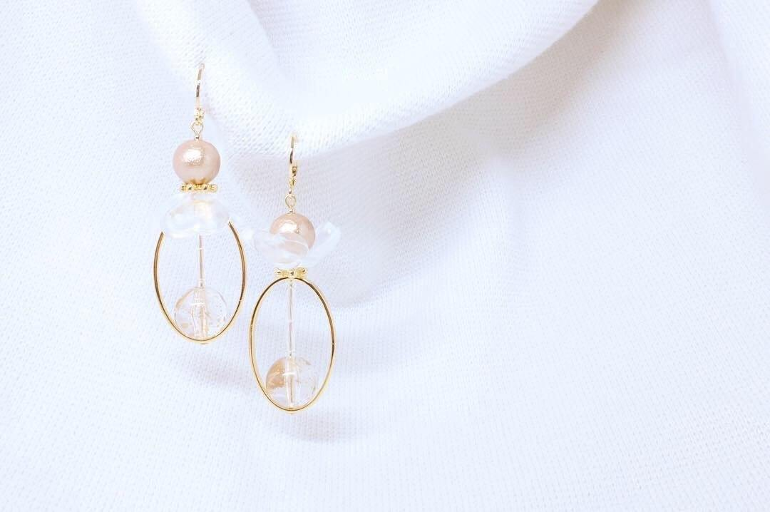 <The Pearl> Flower in the fog oval earrings - MMW Concept