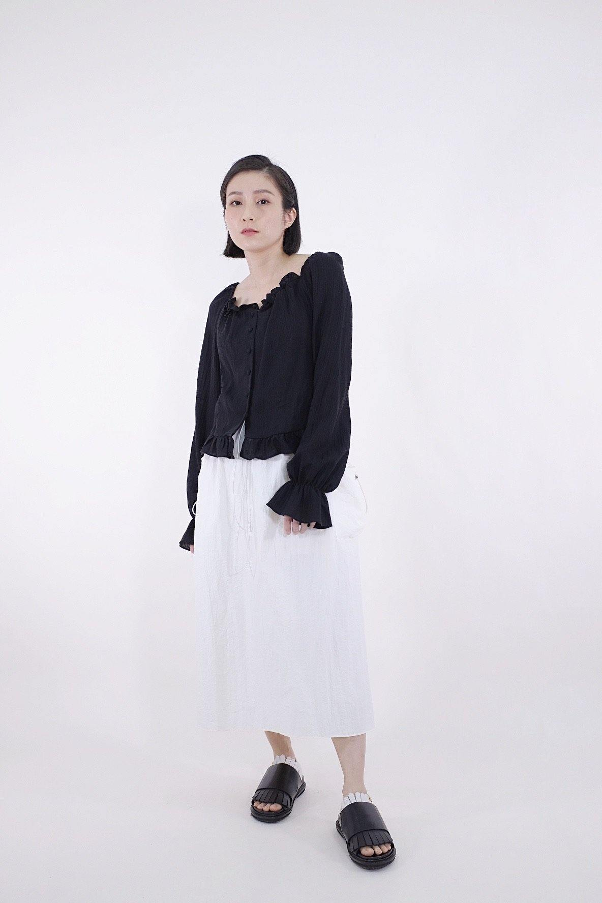 Square collar ruffle blouse