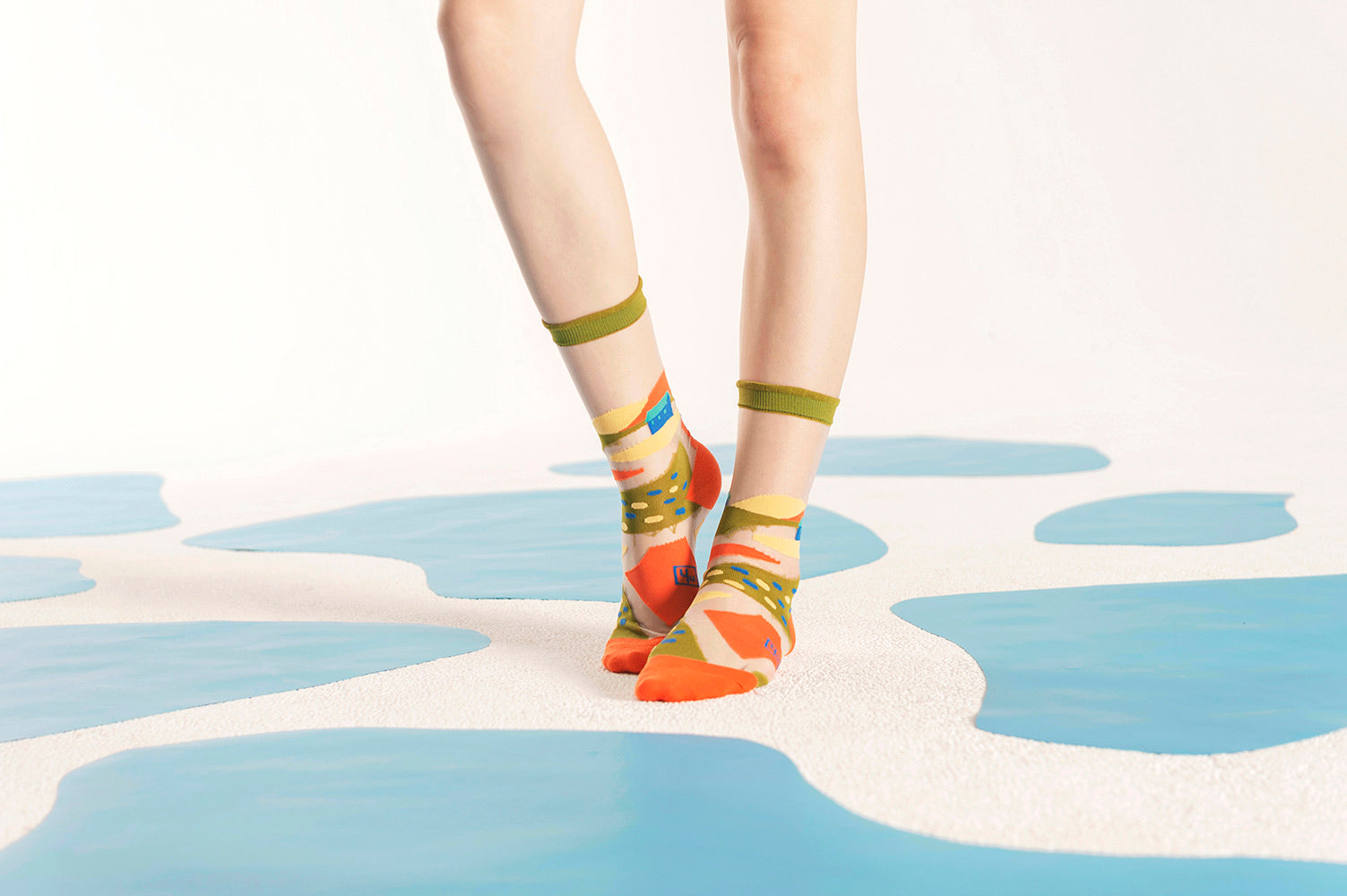 Wild Fields Transparent Sheer Socks / Olive