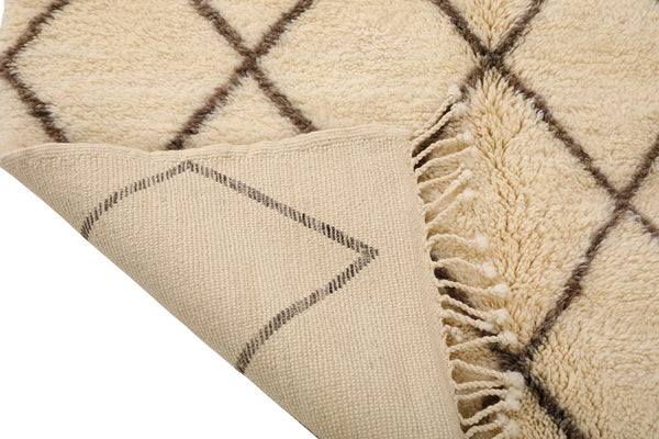 High quality Moroccan rug, made by hand, knot by knot