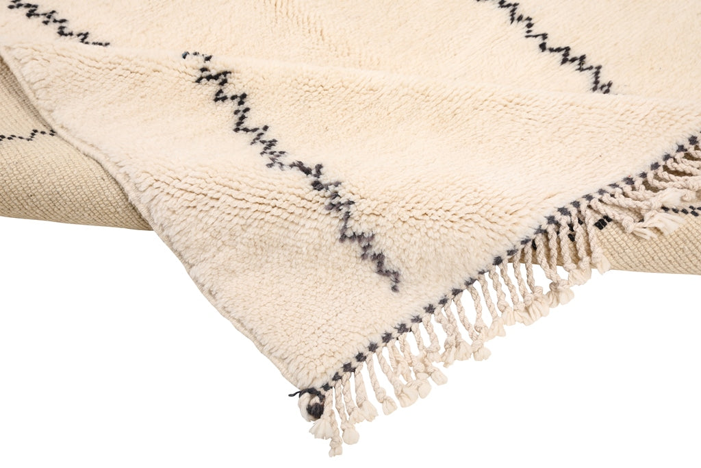 Moroccan rug 100% wool naturally dyed. Baboosh Moroccan rugs in Toronto, Canada