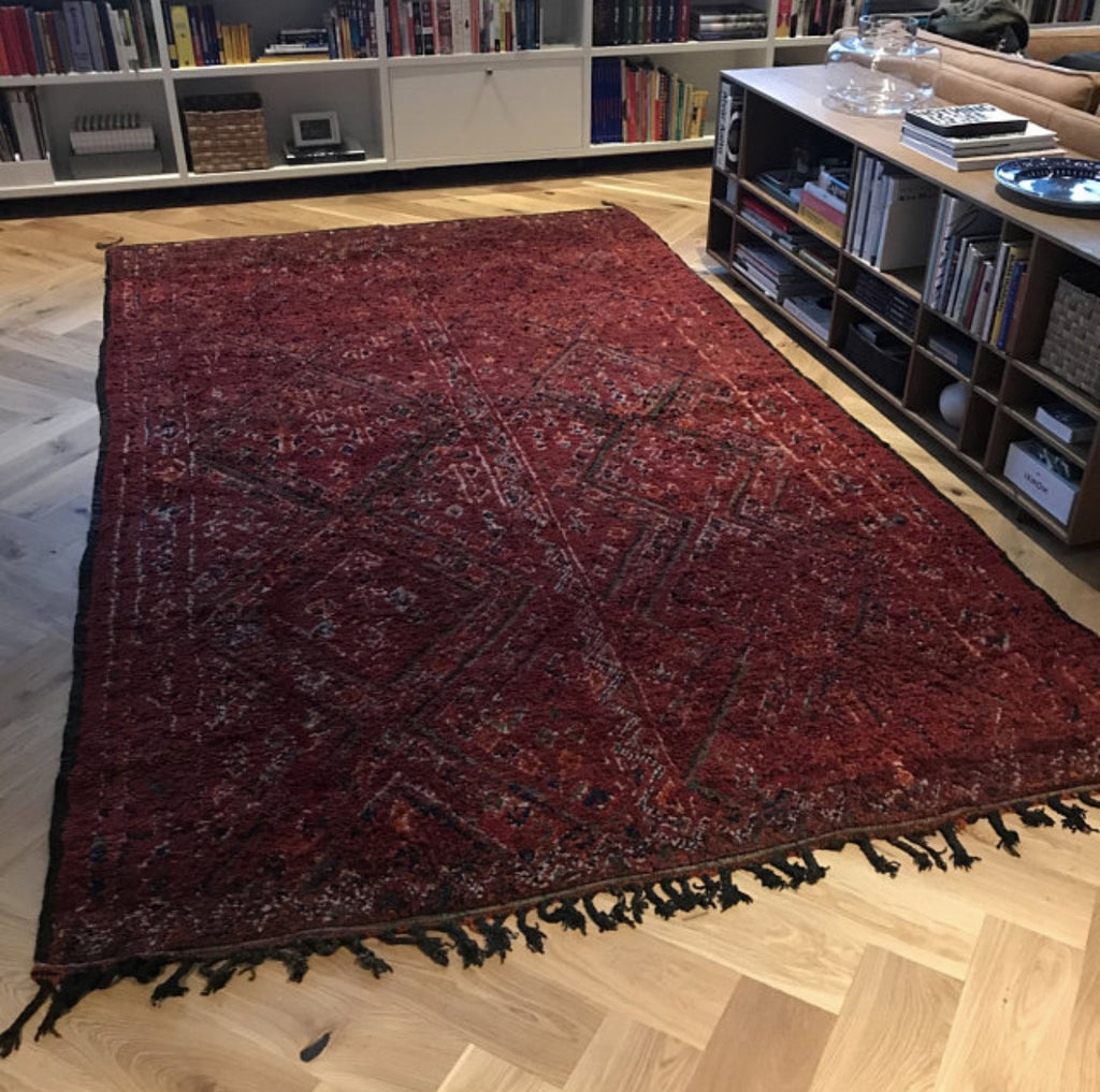 Vintage red moroccan rug in Finland