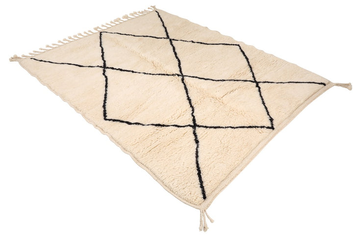 White rug, black diamond. 100% natural wool, handmade in Morocco, soft and fluffy diamond rug, mrirt, beni ourain. can be used in living room, bedroom. small to medium rug
