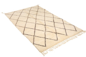 diamond rug, moroccan rug with beige / white background and dark beige diamonds, 100% natural wool beni ourain mrirt, handmade in Morocco