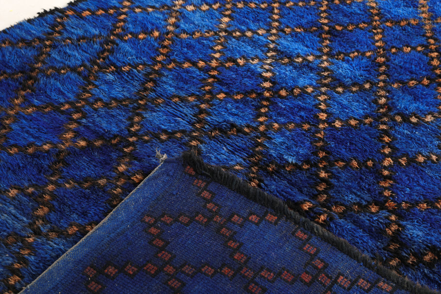 Moroccan Rug: blue color, vintage beni mguild, handmade in Morocco, can be used as living room rug, bedroom rug and dining room rug