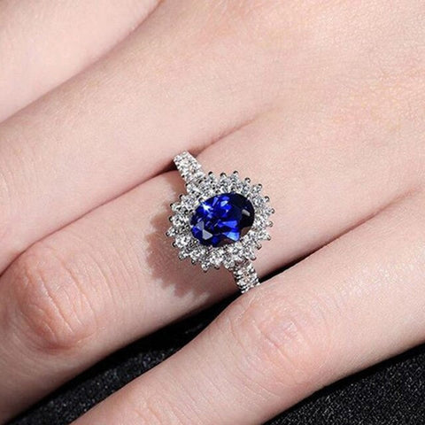 Huitan Wedding Anniversary Ring with Oval Cutting Blue Cubic Zirconia Luxury Jewelry Valentines Gift Fashion Rings for Women