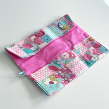Load image into Gallery viewer, Button ボタン Roll Pouch Workshop