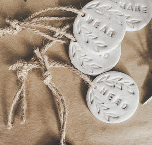 "clay gift tags ""set of 4"""
