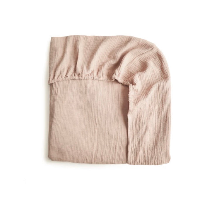 mushie fitted cot sheet (blush)