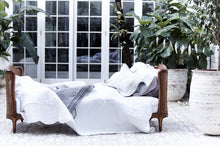 "Load image into Gallery viewer, Bonne Mere king single bedspread and pillow set ""white"""