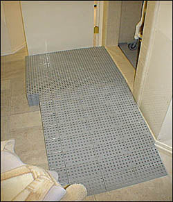 Scratchless Bathroom Landing Ramp 2