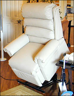 Riser Recliner Chairs – Electric Lift Chair 2