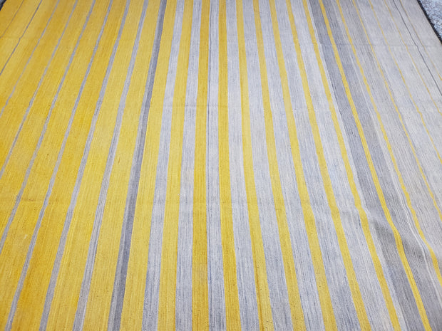 Stripes yellow