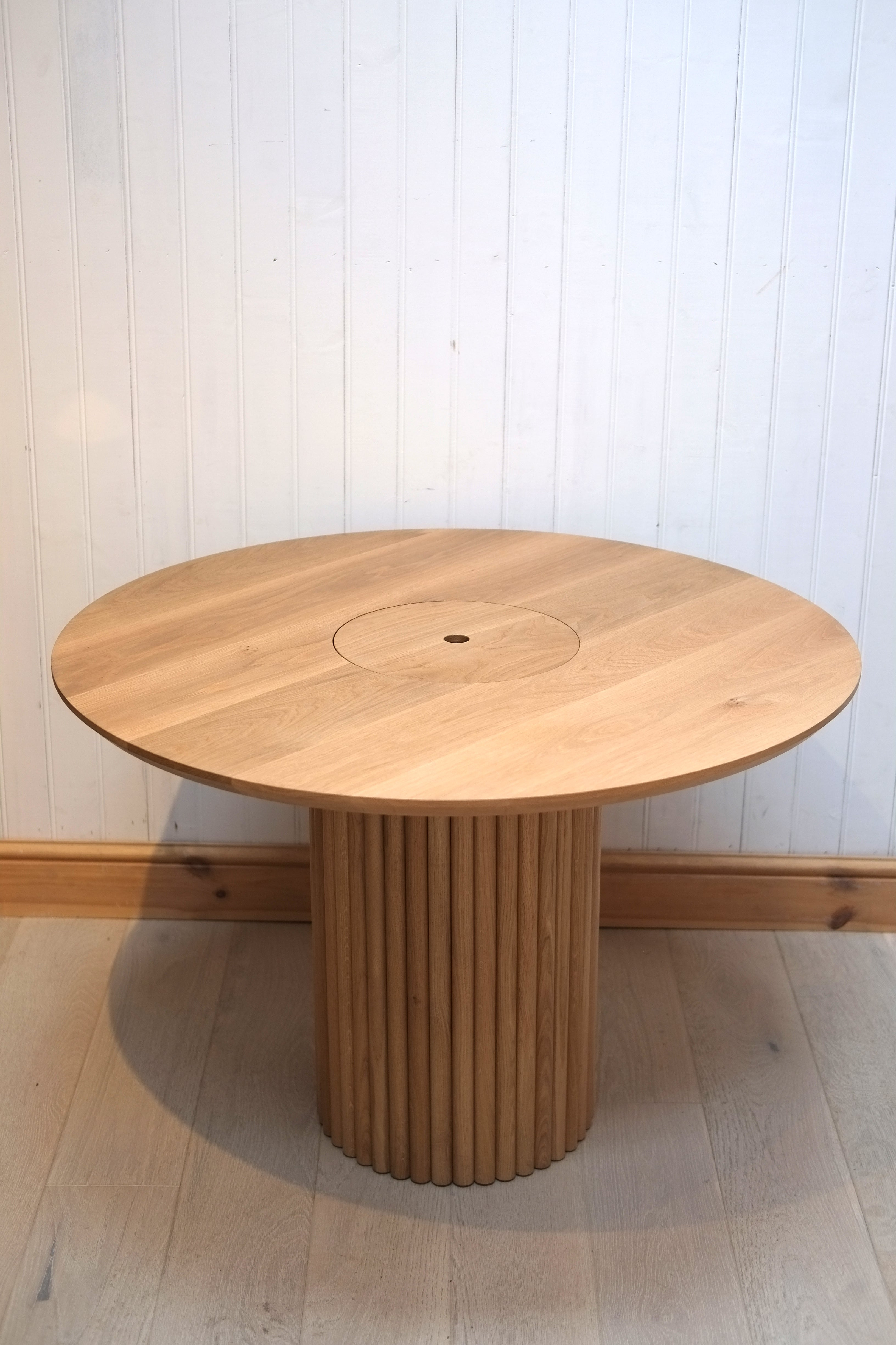 Cylinder Table
