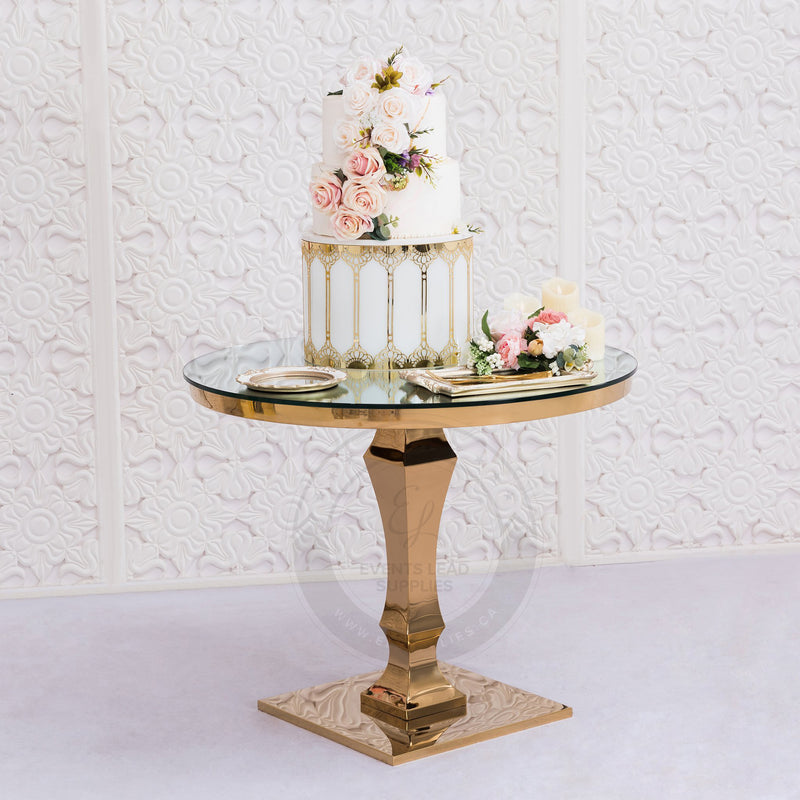 CYNTHIA Cake Table