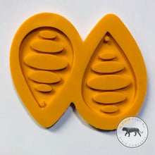 Load image into Gallery viewer, Oval Pattern Droplet Earrings Silicone Mold