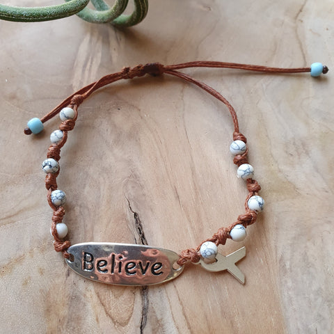 Believe bracelet with beige stones and cancer ribbon