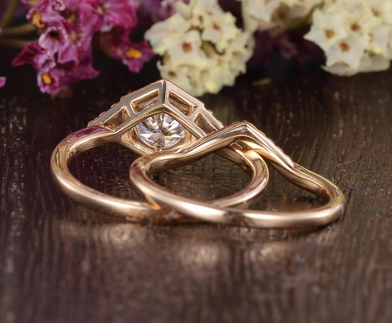 Vintage Style Bridal Ring Set, Round Cut