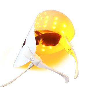 LED light Therapy Mask At Home