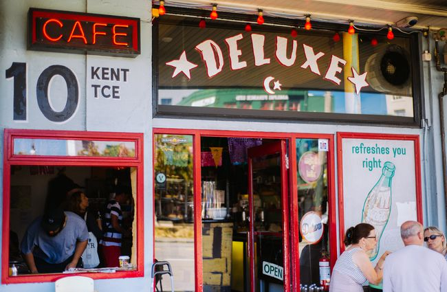 Deluxe Cafe - Mt Vic