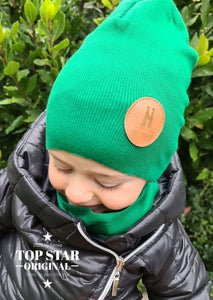 Dark green hat and neck warmer Hats