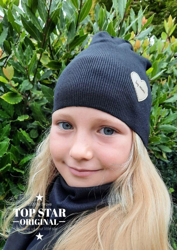 Girl´s black hat and neck warmer Hats