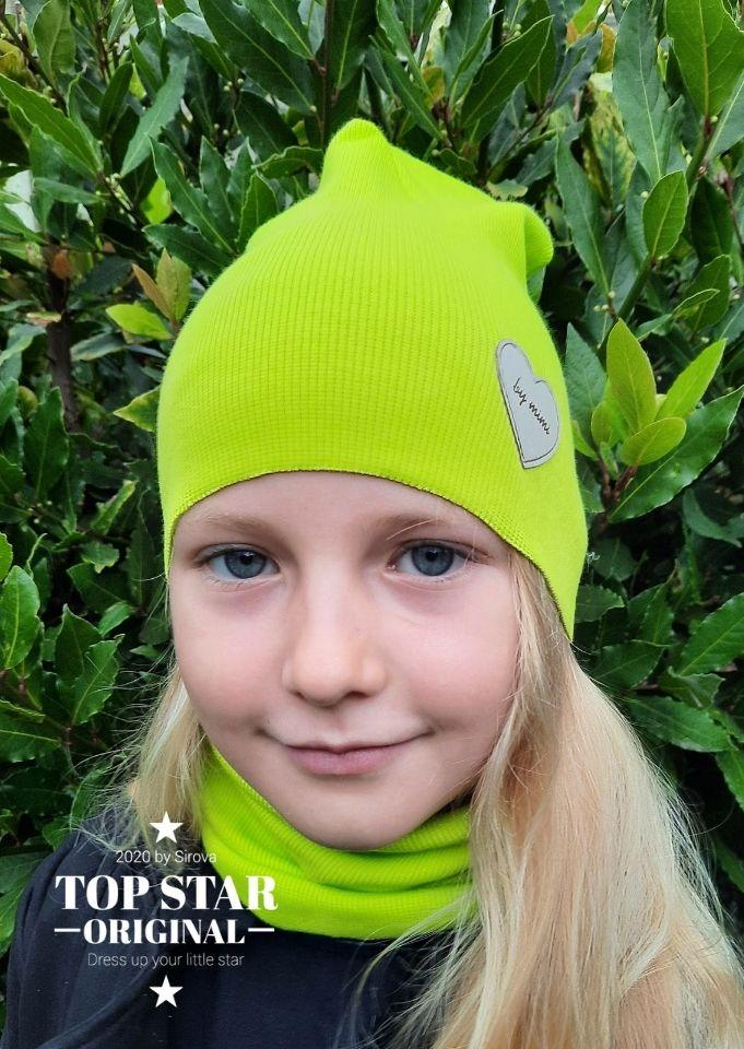 Girl´s matcha green hat and neck warmer Hats
