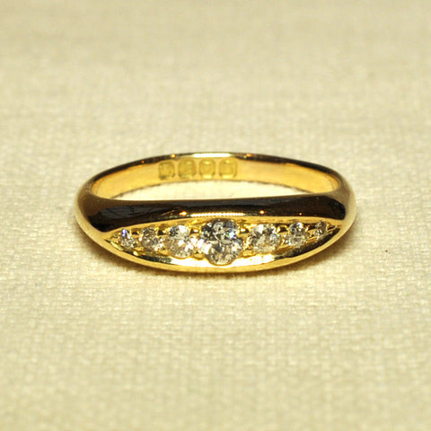 18ct Diamond Antique RIng