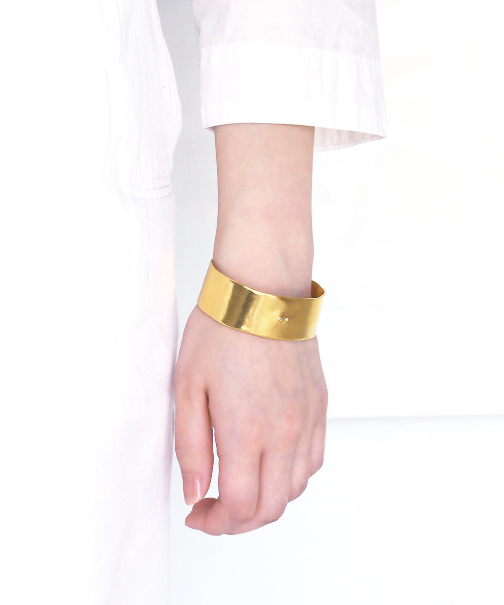 k24 yellow gold plated / cubic zirconia bangle