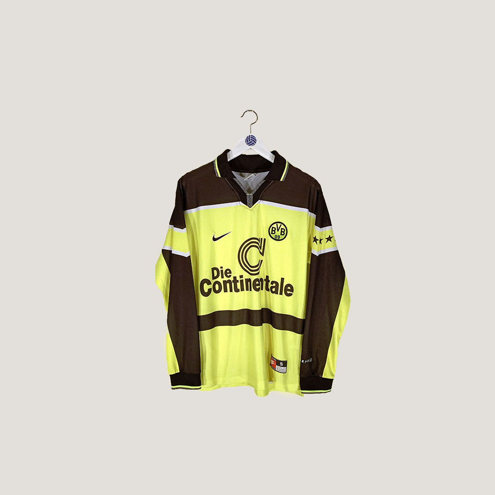 Recently Added Retro Football Shirts